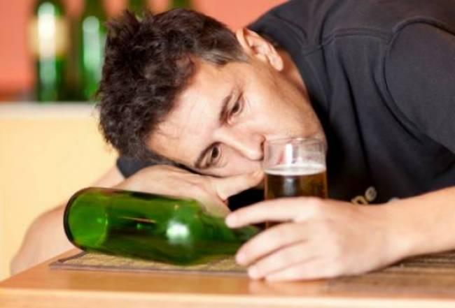 alkoolismos